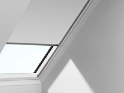 VELUX DKL MANUAL BLOCKOUT C04 550x980-0